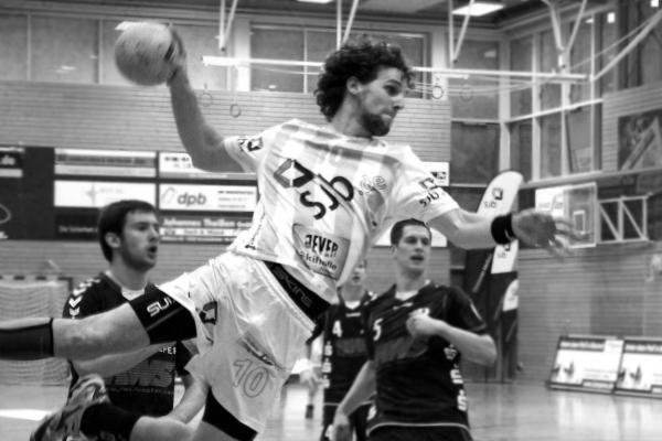 Ben Göller Sportler - Handball Wurf